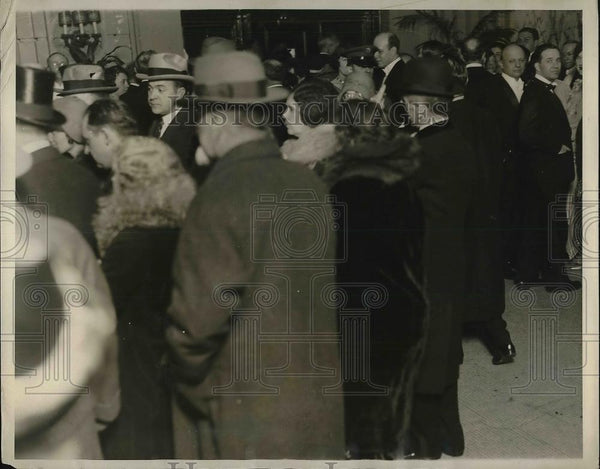 1929 Press Photo Willard Hotel as guest tried to reach elevators Inauguration - Historic Images