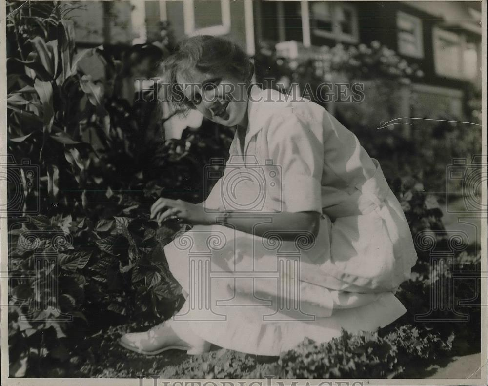1925 Press Photo Miss Blythe F. Monroe, Soil Expert. - Historic Images