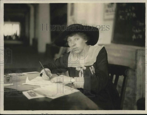 1918 Press Photo Mrs.F.H. Chairman of Classes of Navy League Efficiency School - Historic Images