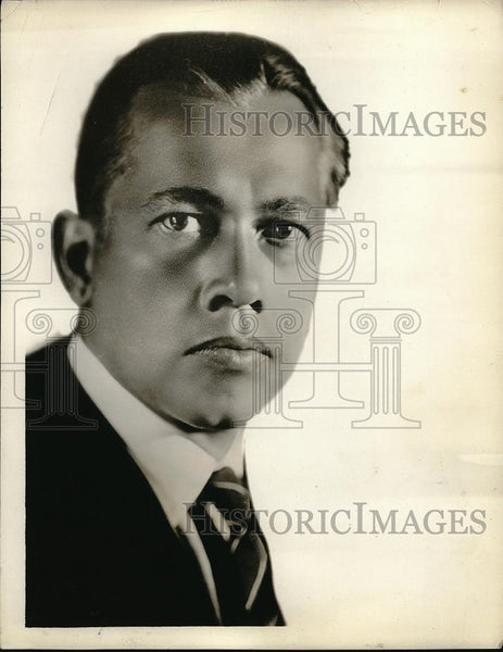 1926 Press Photo Reinald Werrenrath, Baritone and Recorded Songs on Radio - Historic Images