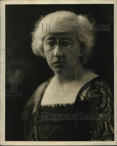 1923 Press Photo Olive Jones Principal Of Public School 120 In New York City - Historic Images