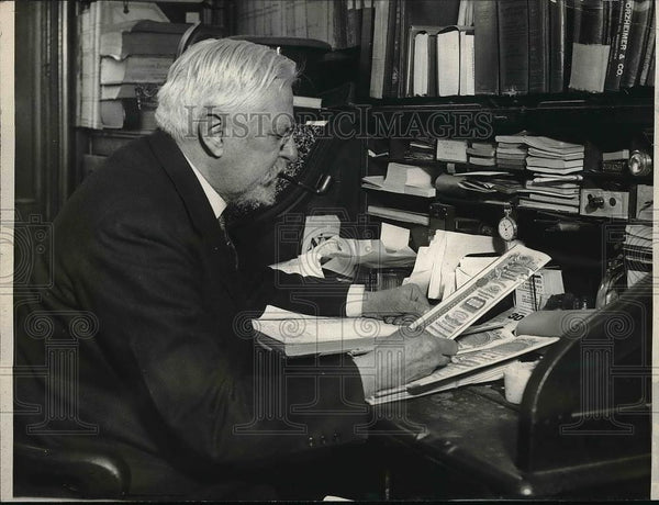 1925 Press Photo R.M Smith has been involved with Wall Street for 41 years. - Historic Images
