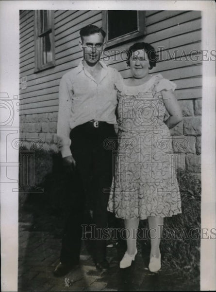 1934 Press Photo Mr. and Mrs. Chester Hart, Refused Anti-Rabies Serum for Son - Historic Images