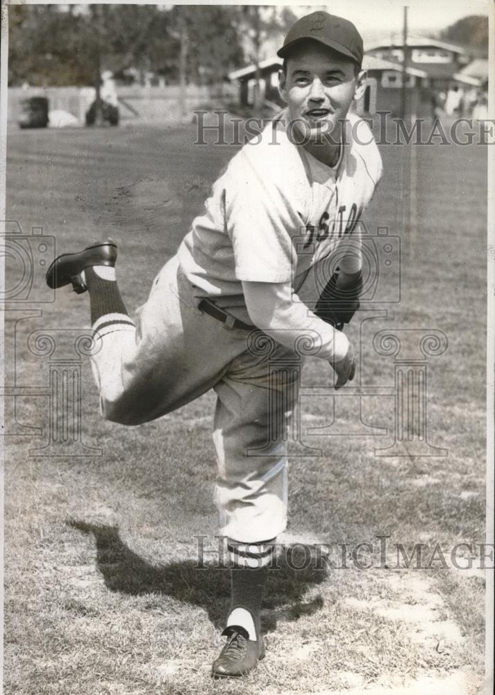 1941 Press Photo Boston Red Sox Pitcher Jack Wilson - Historic Images