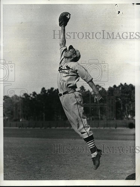 1937 Press Photo Richard Siebert trys out with St Louis Cardinals - Historic Images