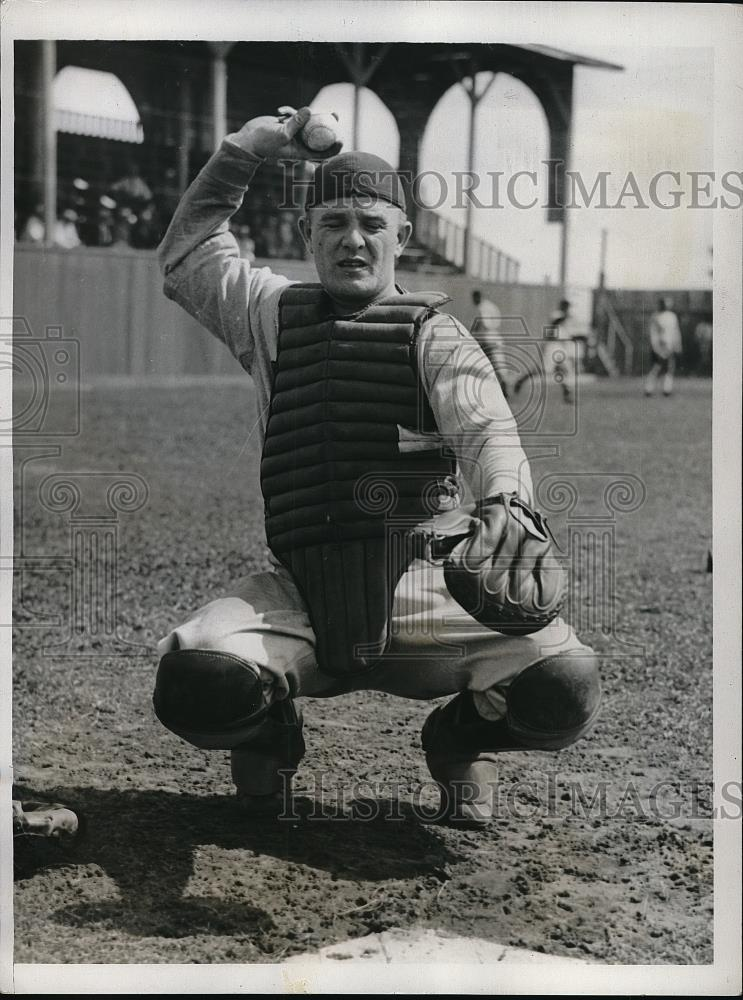 1935 Press Photo Bob Smith, Rookie Catcher, at Spring Training - Historic Images