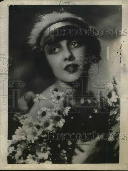 1926 Press Photo Most Popular Model Italy Nille Romaino artists & sculptors vie - Historic Images