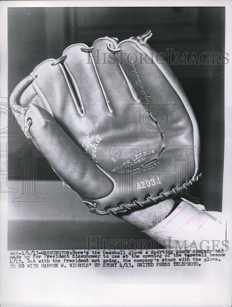 1913 Press Photo Baseball glove made for Pres. Eisenhower for baseball opening - Historic Images