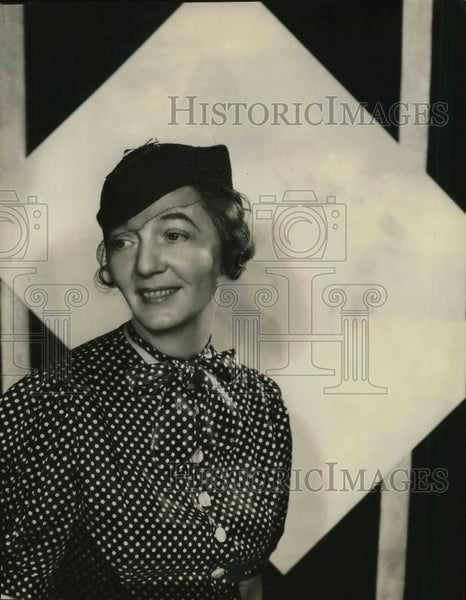 1934 Press Photo Fashion model Miss Margaret Toad - Historic Images