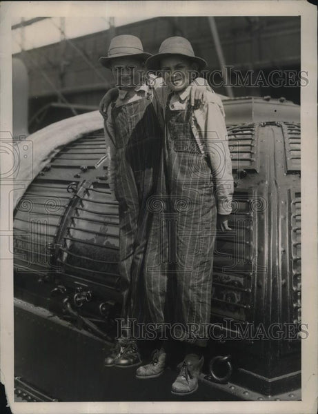 1922 Press Photo Mike Martin & Gallo hos brother from Kincaid, Ill. on SS Savoie - Historic Images