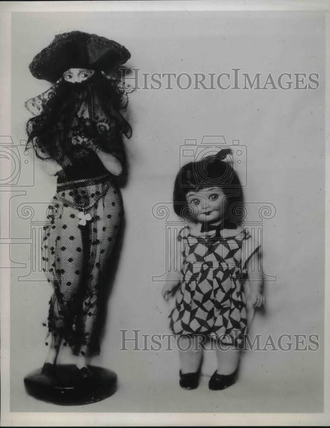 1935 Press Photo Two American dolls from Mrs HH Styll collection - neb46396 - Historic Images
