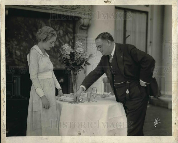 1933 Press Photo Chef Oscar Tschoe and Actress Evelyn Gosnell - Historic Images