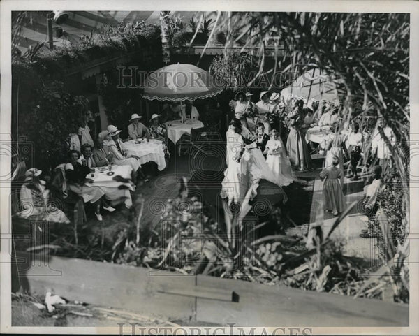 1935 Press Photo Palm Beach, Fla. fashion show at Patio restaurant - neb49356 - Historic Images