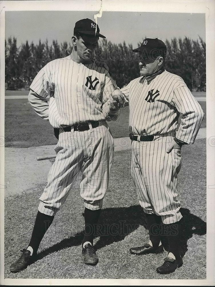 1940 Press Photo Manager Joe McCarthy and Lee Grissom of the New York Yankees - Historic Images