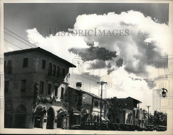 1936 Press Photo Palm Beach Avenue shopping area of Palm Beach, Fla - neb49352 - Historic Images