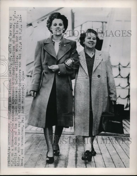 1929 Press Photo Ada Fishburn & Mary Uglianitza Aboard SS Queen Elizabeth - Historic Images