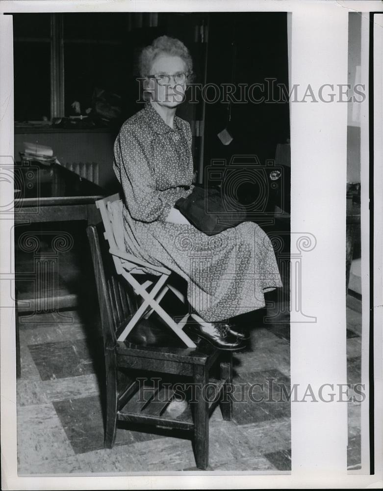 Press Photo Mrs Charlotte Conley Brought Chair To Pittsburgh Jury Trial - Historic Images