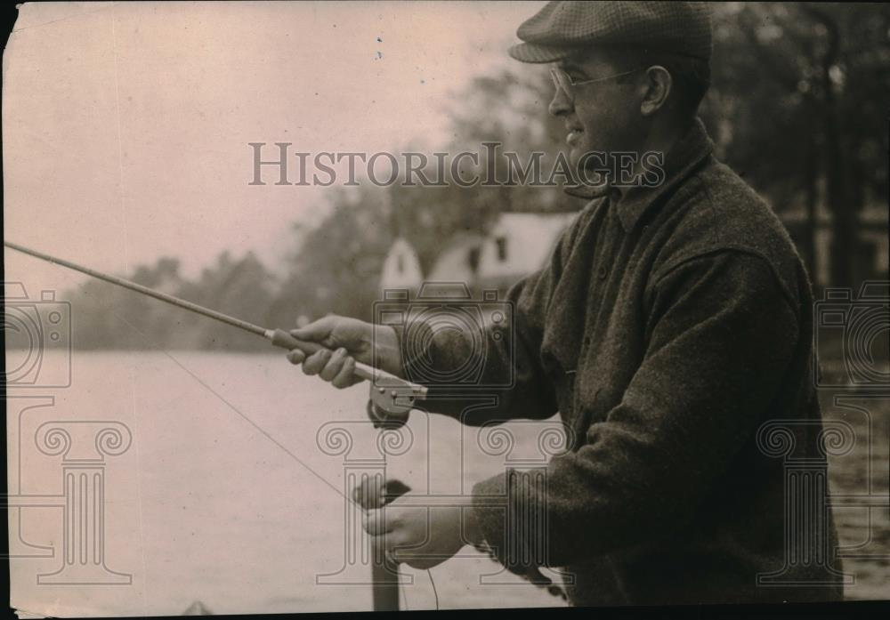1918 Press Photo men fishing - neb50980 - Historic Images