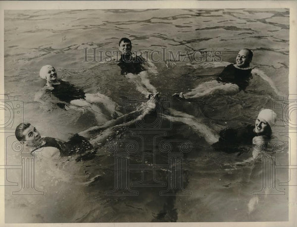 1930 Press Photo Marathon swimmers, E Meyers,L Garrick,C ross,C Hess,LRiley ,NY - Historic Images