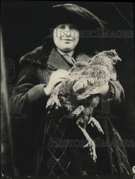 1923 Press Photo Chicken with four legs - neb52172 - Historic Images