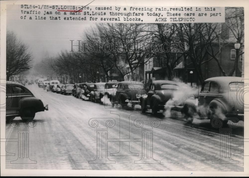 1949 Press Photo St Louis, Mo backed up traffic & accidents to to ice storm