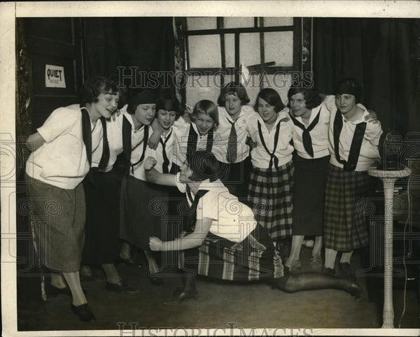 1925 Press Photo 'Aerial Girls' gospel singers and conductor Marguerite Reinhart - Historic Images