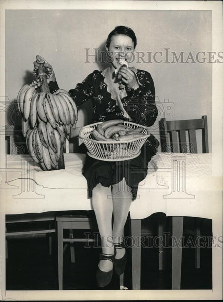 "1931 Press Photo Helen McDonnel""Banana Queen""of New York of Girls Service League - Historic Images"