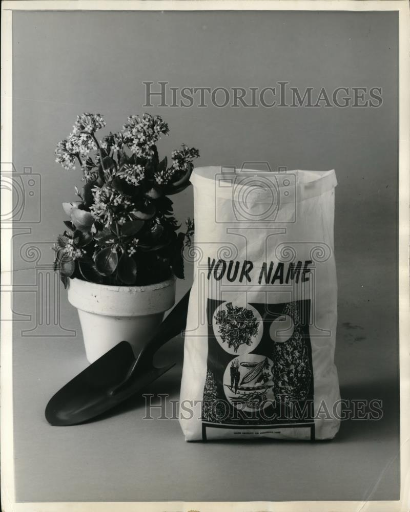 1961 Press Photo New Flexible Plastic Bags Available With Company Name