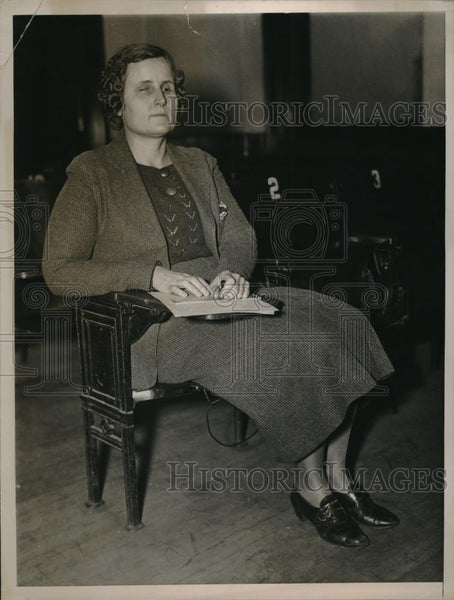 1936 Press Photo Blind Mrs, Patterson sitting in Classroom Writing. - Historic Images