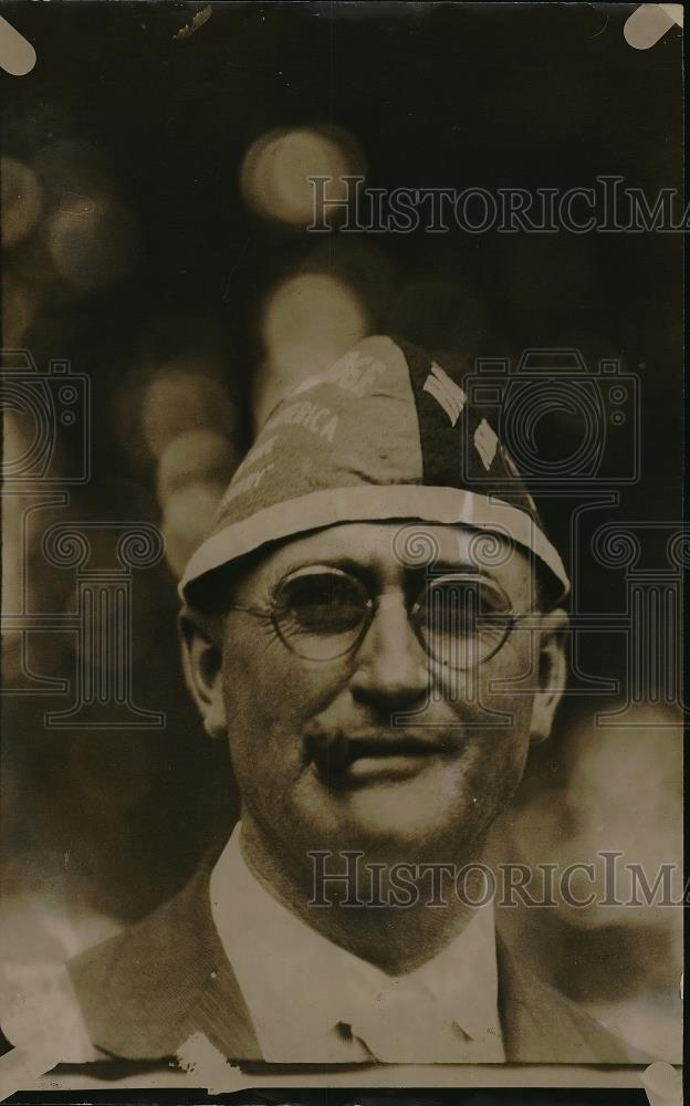 1920 Press Photo G.O.P. hat - Historic Images