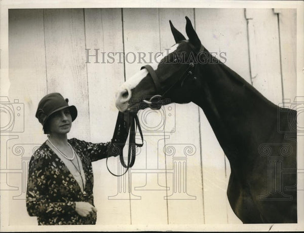 1928 Press Photo Mrs. Bernard F. Gimble Captain Deane Annual Horse Show - Historic Images