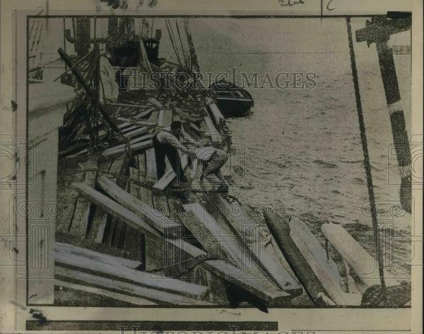 1925 Press Photo Shipwreck of the Sally Wren - Historic Images