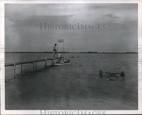 1953 Press Photo Lake Inman Near Inman, Kansas - Historic Images