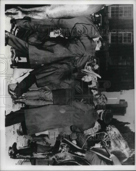 1968 Press Photo London Police Demonstrators near US Embassy - Historic Images