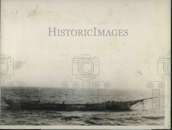 1924 Press Photo Lumber laden ship Governor Parr, derelict after storm - Historic Images