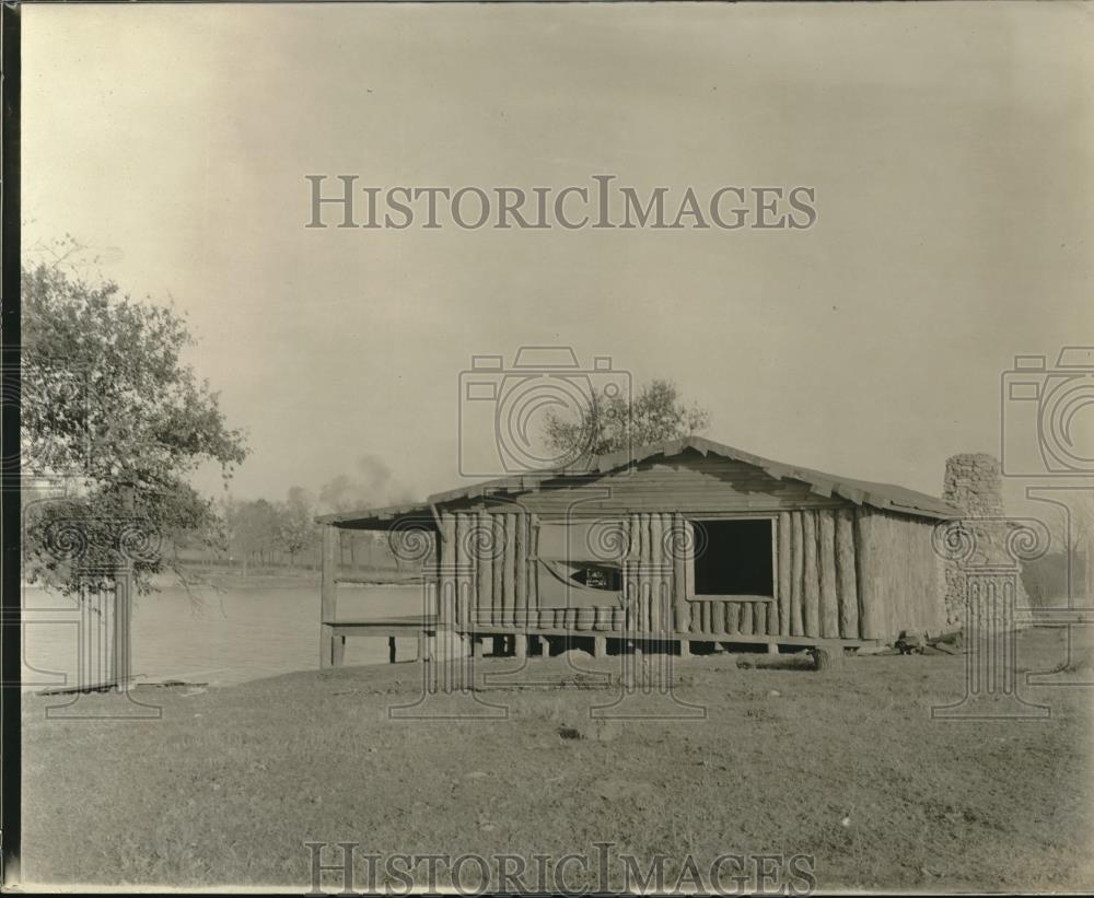 1919 Press Photo Building Made of Logs on Water in Mooseheart, Illinois - Historic Images