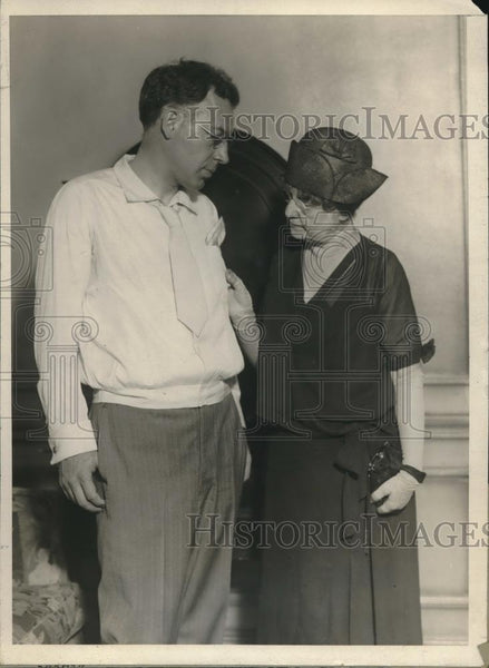 1930 Press Photo Mrs. Madge Barnwell & Prof. Leroy Bowman Promote New Style - Historic Images