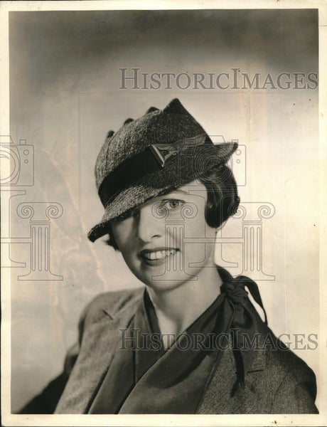 1933 Press Photo Marion Valle model in tweed hat - Historic Images