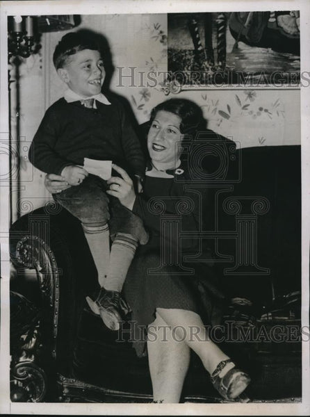 1935 Press Photo Mrs Ann Goldberg & son Lester, she won Irish Sweepstakes - Historic Images