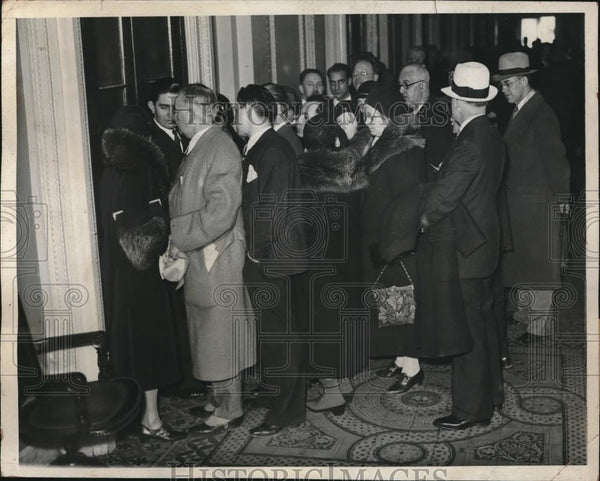 1932 Press Photo Crowds waiting to enter House galleries for prohibition vote - Historic Images