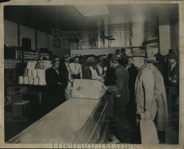 1930 Press Photo Commissary United Textiles Workers' Union Milk Strikers - Historic Images
