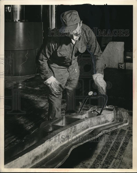 1927 Press Photo Alane Co. Inspector - Historic Images