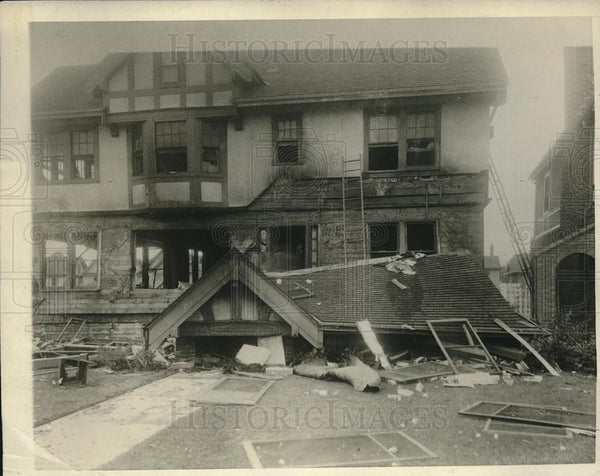 1926 Press Photo Gas Leak Causes Explosion at Dr KC Wold's Home Minneapolis - Historic Images