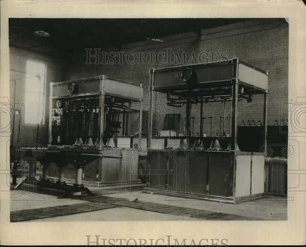 1925 Press Photo Two Rectifier Panels at British Broadcasting Company - Historic Images