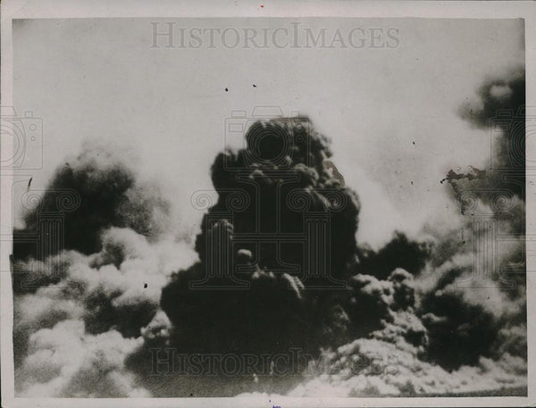 1923 Press Photo Mount Etna Volcano Eruption Ash Clouds - Historic Images