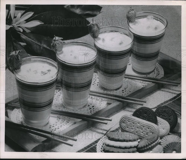 1928 Press Photo Milk Shake and cookies - Historic Images