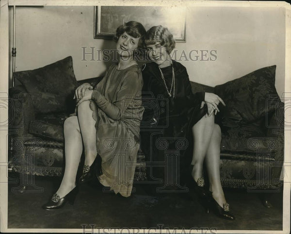 1927 Press Photo English musical star Peggy Vere Mouvet & Elanor Mouvet ready to - Historic Images