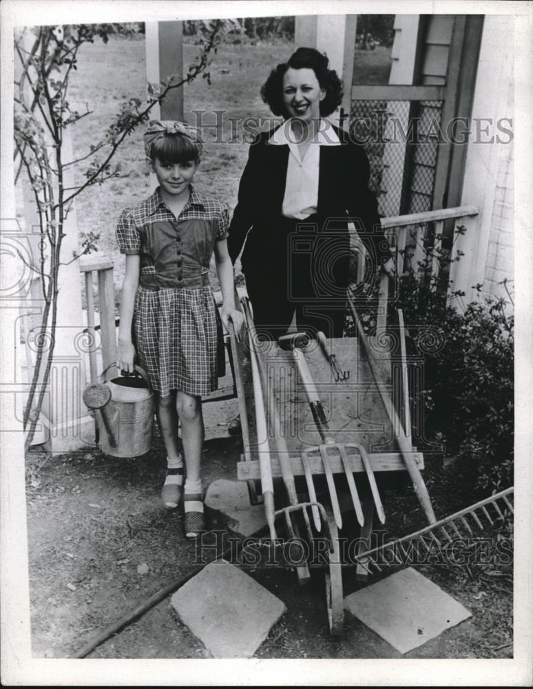 1945 Press Photo Mother and Daughter Gardening in their Yard - nec04484 - Historic Images