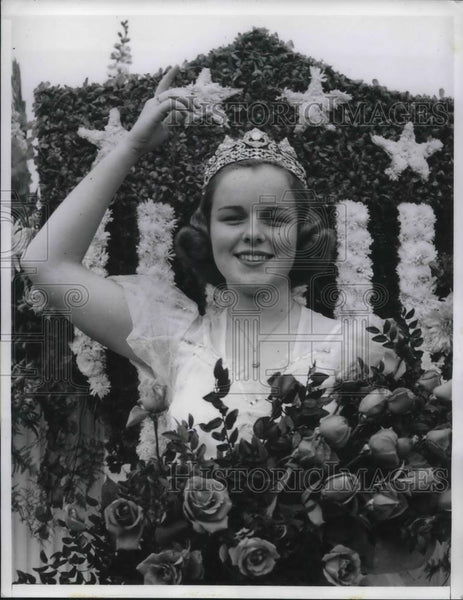 1940 Press Photo Sally Stanton, 17, Tournament of Roses Queen for New Years Day - Historic Images