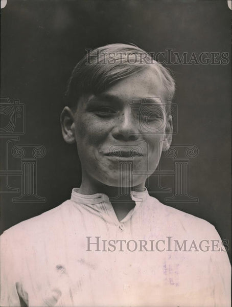 1920 Press Photo Louis LaPair Belgian Boy Age 16 Parents Killed Joined Service - Historic Images